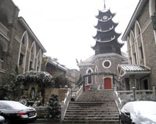 A snow scene of the cathedral of Guiyang diocese