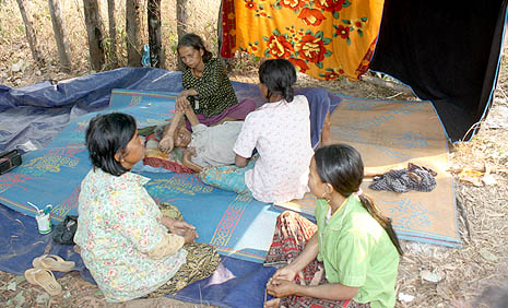 Cambodian villagers displaced by border fighting (Photos courtesy of Caritas Cambodia)