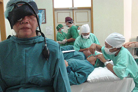 Doctors perform free cataract surgery on Sunday in Yogyakarta
