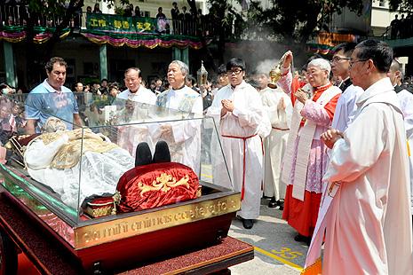 Hong Kong greets Don Bosco relics