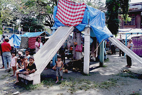 Some displaced families in Mindanao continue to live in makeshift homes