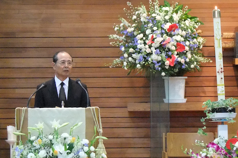 Sadaharu Oh, the world home run champion addresses the gathering. He said Yonamine was the first ball player to ever give him an autograph.