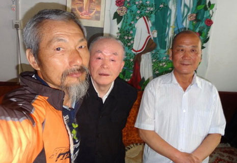 Cycling pilgrim completes his tour of China