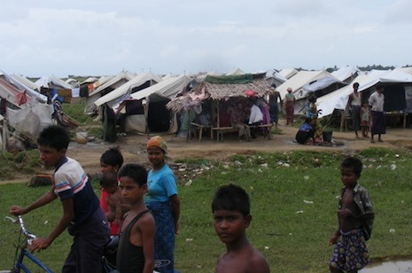 Even aid workers are not safe from Rohingya-Rakhine clashes