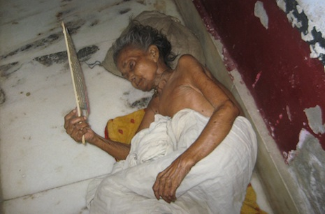 A widow in one of Vrindavan's shelters