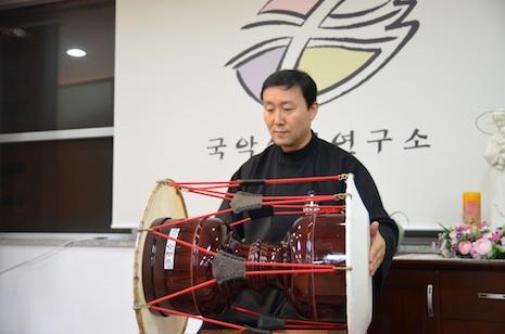 Hymns take on an ethnic Korean flavor