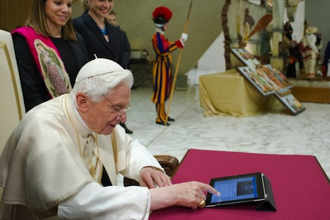 Pope Benedict XVI sends his inaugural tweet during a ceremony on Wednesday (AFP photo)