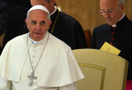 Pope slams broken promises in war on hunger