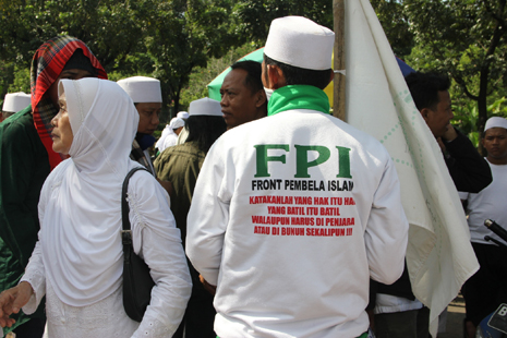 Indonesia police to guard sect over Ramadan