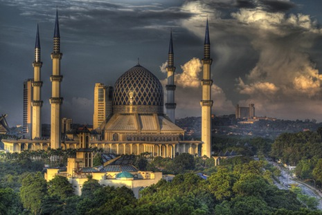 <p>The Blue Mosque, Kuala Lumpur (picture: <a href=&quot;http://www.shutterstock.com/pic-103086431/stock-photo-the-blue-mosque-shah-alam-kuala-lumpur.html?src=csl_recent_image-1&quot; target=&quot;_blank&quot;>Shutterstock</a>)</p>