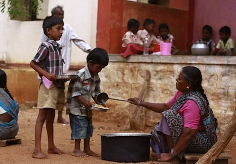 <p>One of the aims of the midday meal was to break down caste barriers</p>