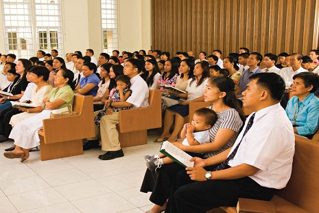 <p>Filipinos attend a Mormon church in Manila</p>