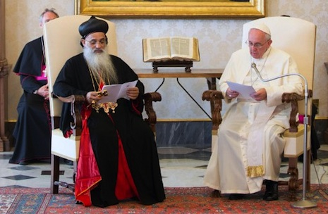 <p>Moran Baselios Marthoma Paulose II with Pope Francis during their meeting on Friday at the Vatican (AFP photo/Osservatore Romano)</p>