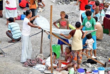 UN warns of humanitarian crisis in Zamboanga