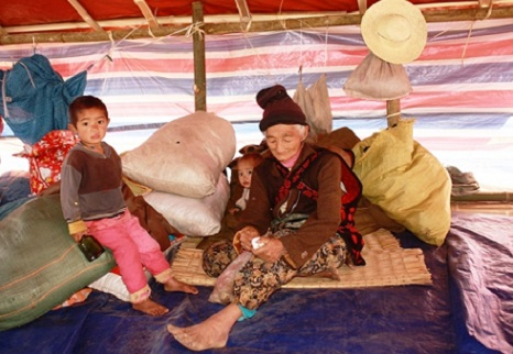 <p>Kachin refugees at a temporary camp in Kachin State</p>