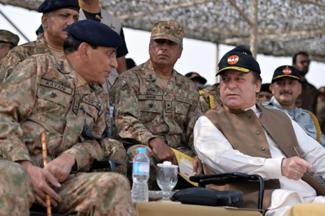<p>Prime Minister Nawaz Sharif, right, criticized US drone strikes on Pakistan soil (Aamir Qureshi / AFP)</p>
