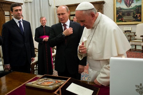 Pope Francis welcomes Russian leader Putin