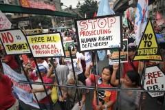 Rights activists rebuke Aquino government
