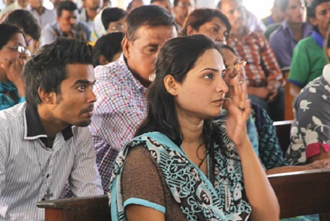 <p>Hina Milwood, 28, a Pakistani Christian refugee in Sri Lanka attends Mass with other refugees in Negombo town <span class=&quot;aBn&quot; tabindex=&quot;0&quot; data-term=&quot;goog_140892647&quot;><span class=&quot;aQJ&quot;>on Sunday</span></span>. (Photo: Jimmy Domingo)</p>