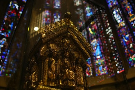 <p>Charlemagne's gilded sarcophagus in Aachen Cathedral, which housed most of the emperor's bones (photo by DPA)</p>