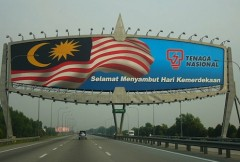 Malaysia's stuttering economy blamed for rise in ethnic tensions