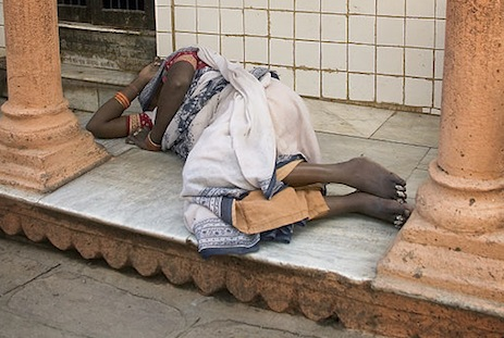 <p>A Dalit woman sleeping in the street. File picture: Wikimedia Commons</p>