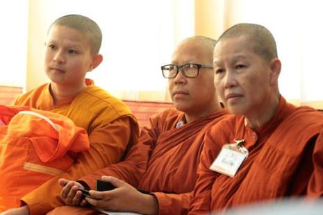 Female monks seek recognition in Thailand