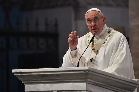Pope tells Filipinos to 'reject' corruption