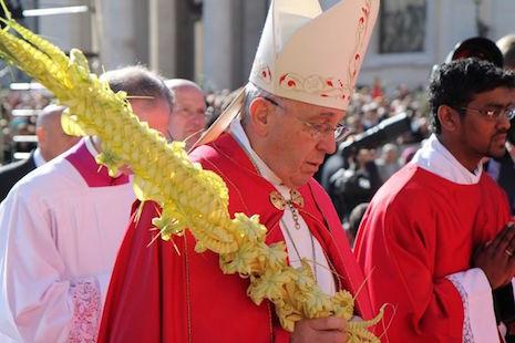 Khởi đầu Tuần Thánh, Đức Giáo Hoàng mời gọi sống 'khiêm nhường'