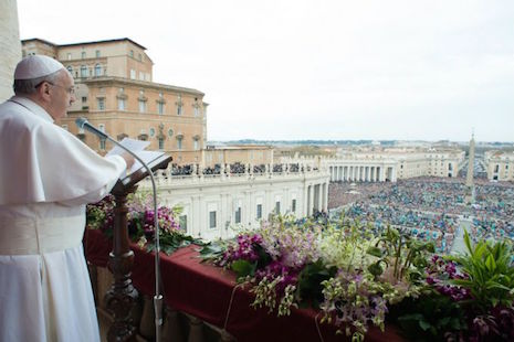 Pope calls Christians to be witnesses of peace