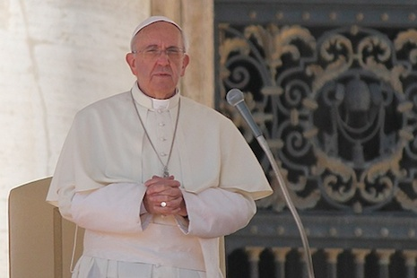 Pope donates US$100,000 for Nepal quake assistance