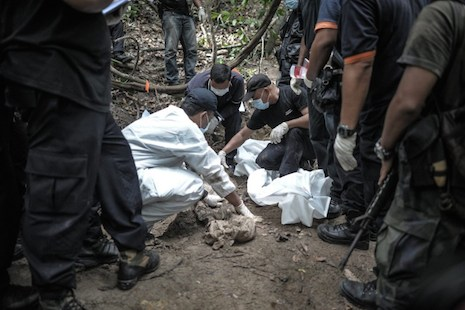 Villagers say Malaysia govt missed clues on trafficking