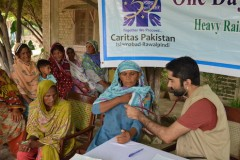 In Pakistan, villagers and Church officials struggle with floods