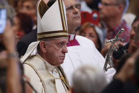 Pope tells priests to offer forgiveness for abortion