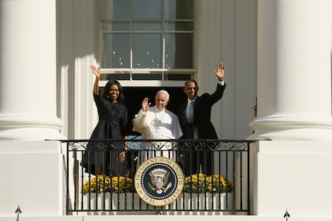 Obama welcomes Francis to America