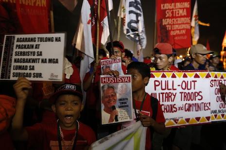 Gunmen torch teachers' cottage at Mindanao tribal school