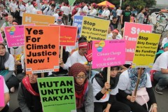 Indonesians demand action on climate change