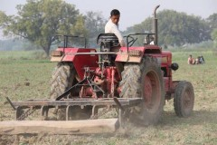 Indian farmers struggle to adapt to the 21st century