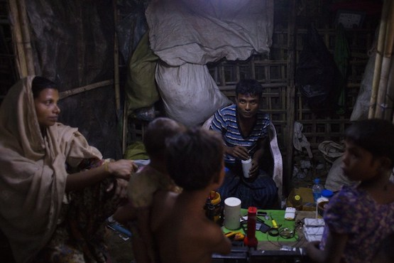 Myanmar parliament calls for end to fighting in Rakhine