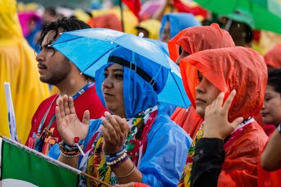 Spread message of mercy, delegates at WYD opening told