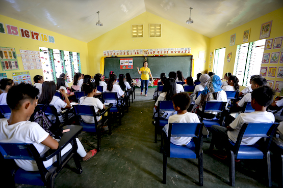 Sex education in Filipino primary schools worries bishops