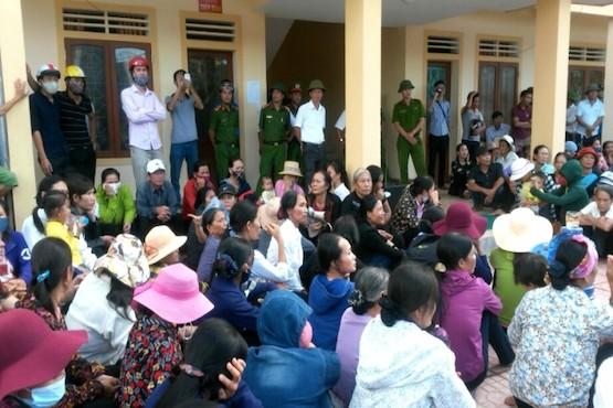 Catholics in Vietnam seek compensation for marine disaster