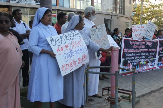 Rights groups protest Sri Lanka military land grabs