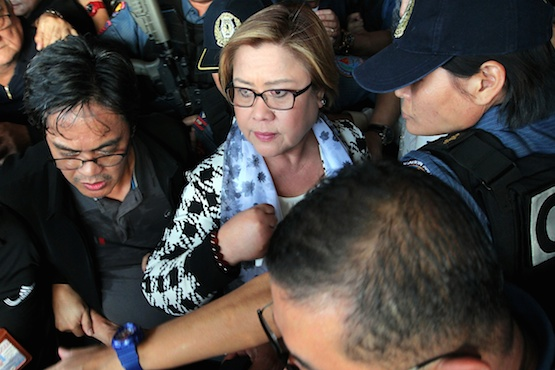 Police arrest leading critic of Duterte