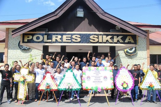 Flowers fight radicalism in Indonesia