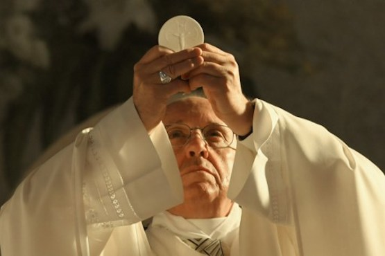 Pope warns against bad-mouthing, backstabbing each other