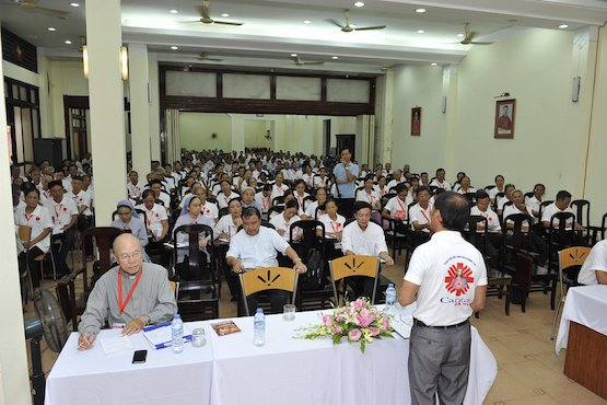 Caritas workers asked to combine charity with evangelization