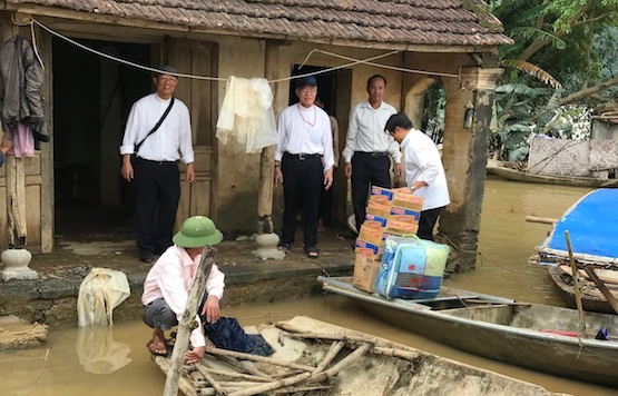 Catholics in Vietnam's north provide aid to flood victims