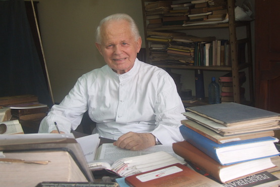 Belgian Jesuit translator of the Bengali Bible dies