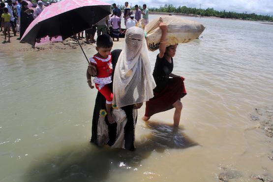 Aung San Suu Kyi visits Rakhine, triggers skepticism
